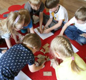 <span>Język angielski dla dzieci 2-6 lat</span><i>→</i>